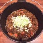 【レシピ】ダッチオーブンで作る牛すじ煮込み
