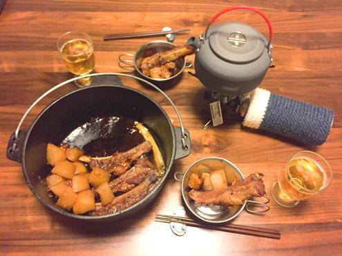 スペアリブと大根のダッチオーブン煮込み