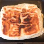 ホットサンドメーカーで焼くだけ。ホワイトディニッシュショコラを使った簡単おやつ。【コンビニきゃんぷ飯】