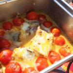 【キャンプおつまみ】5分で完成。簡単!サバ缶、プチトマト、チーズのグラタン