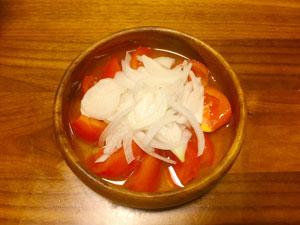 トマトとたまねぎのマリネ