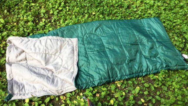 キャプテンスタッグの寝袋