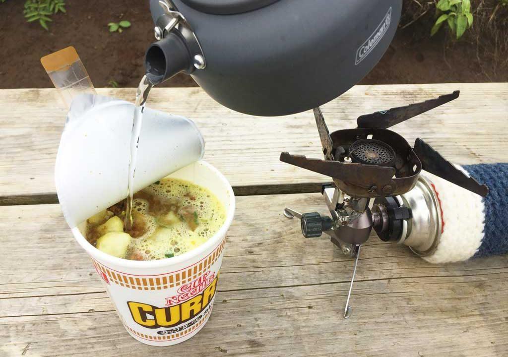 イワタニジュニアコンパクトバーナーとカップ麺