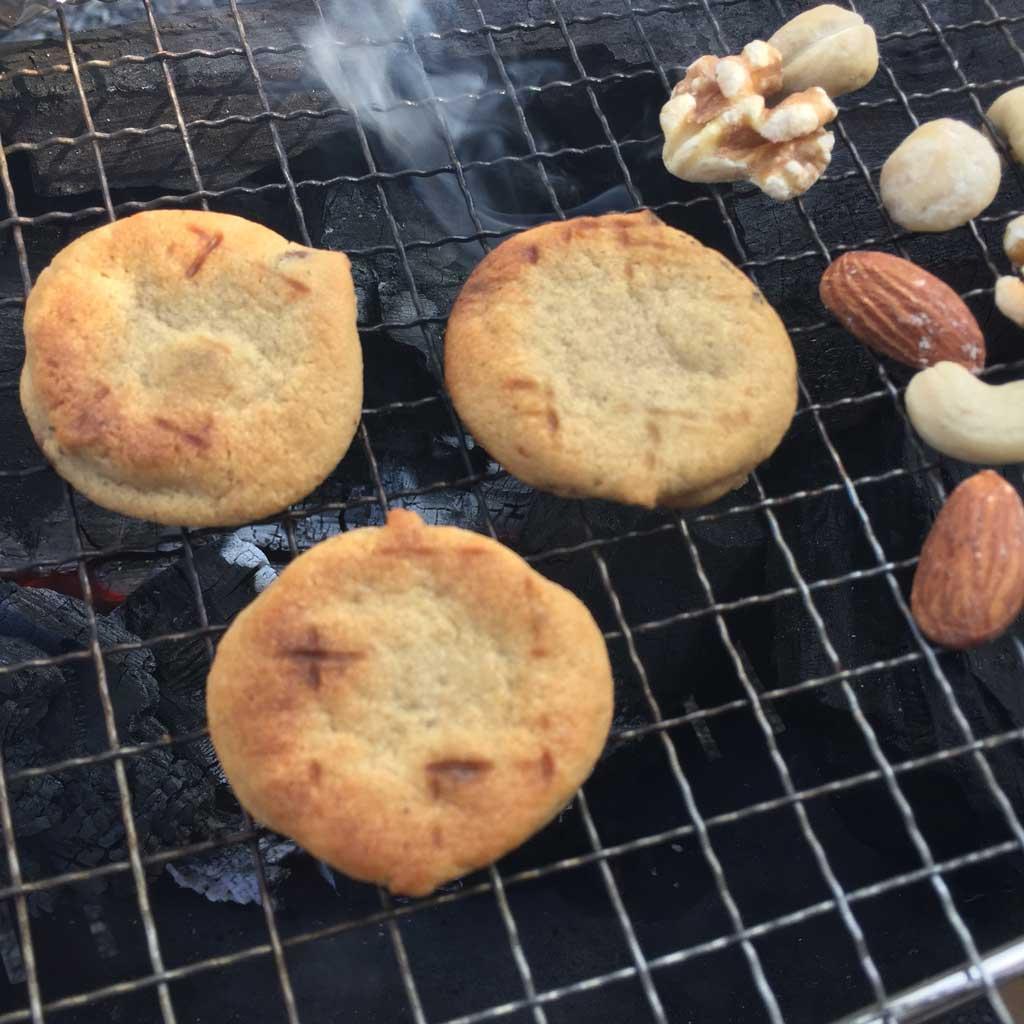 BBQコンロで焼くカントリーマアム