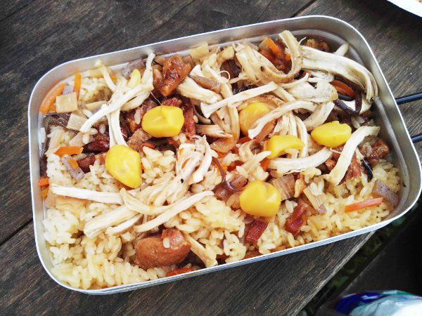 焼き鳥の缶詰と栗の炊き込みご飯