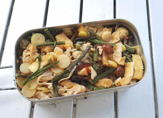 コンビニ食材でつくれる山菜の炊き込みご飯