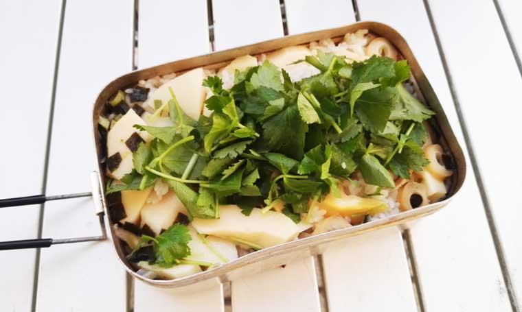 松茸のお吸い物とタケノコの炊き込みご飯