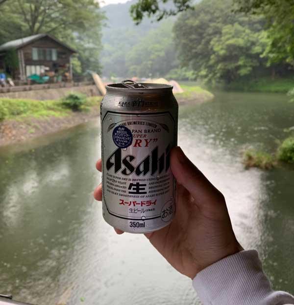 キャンプでビール