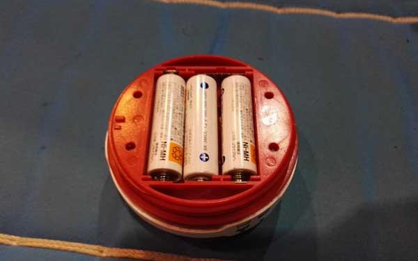 DODポップランタンの電池