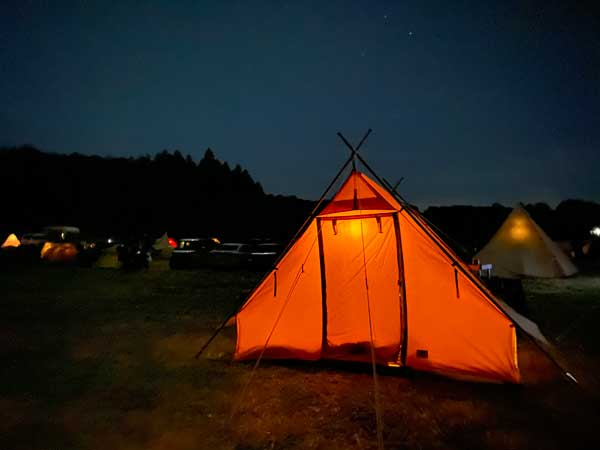 冬キャンプの夜は空気が澄んでる気がする